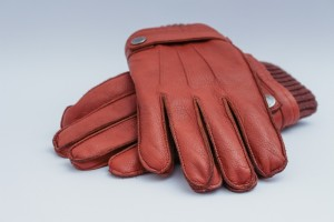 mens-leather-gloves-1194450_1280